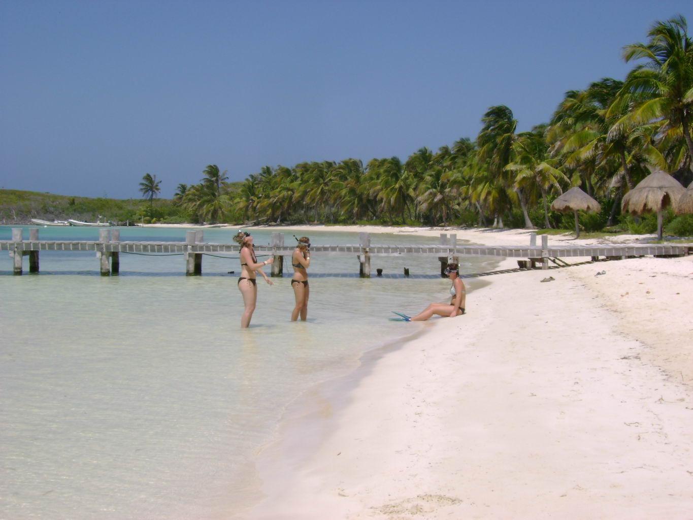 contoy island beach