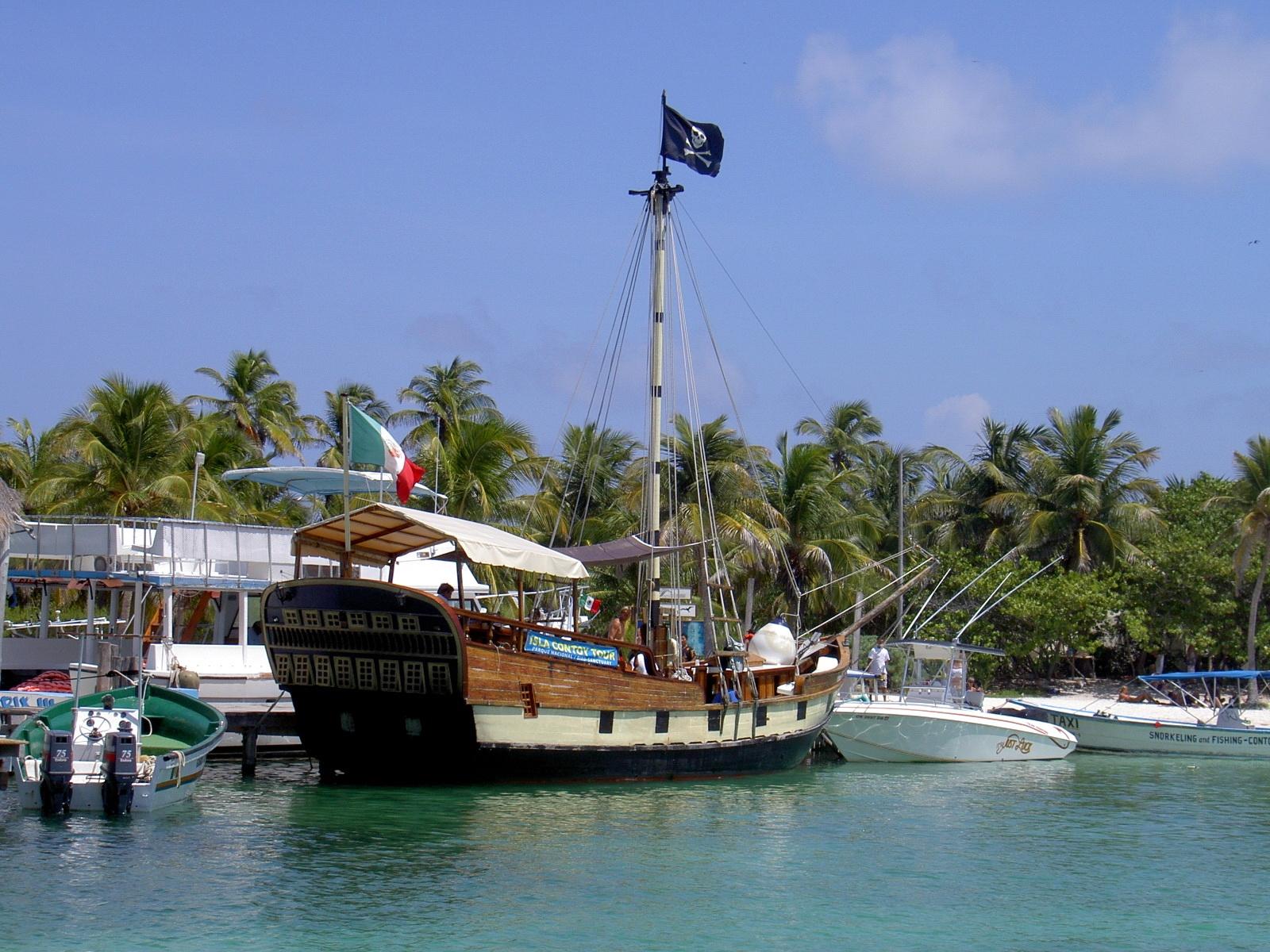 isla contoy sailing boat