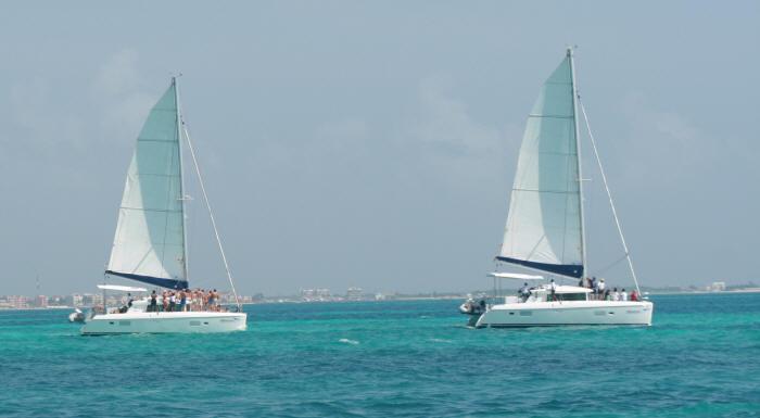 sailing catamarans lagoon