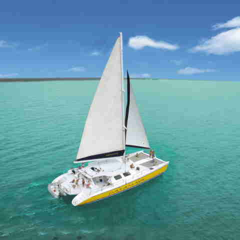 catamaran for group puerto aventuras