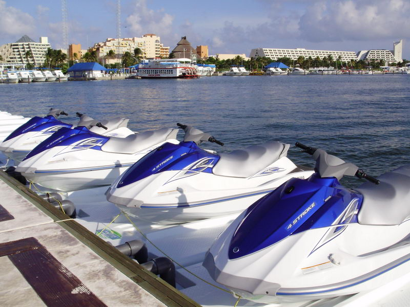 rent a Waverunner Jetski Snorkel Cancun