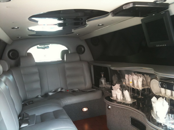 interior picture limousine cancun